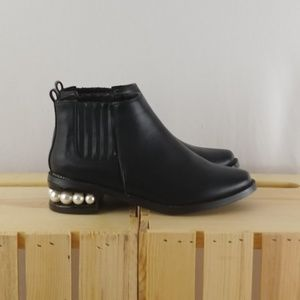 CATHERINE MALANDRINO | black pearlen ankle boots